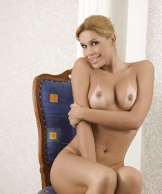 Молодой голый транс (15 фото)