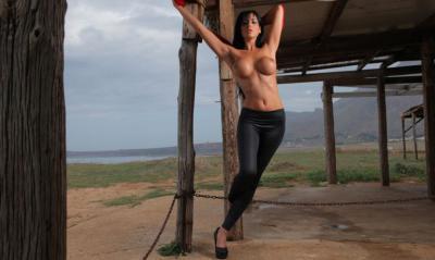 Тренировка с обнаженной грудью 4 фото