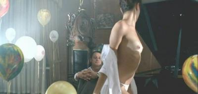 Елена Подкаминская сняла рубашку обнажила грудь 11 фото