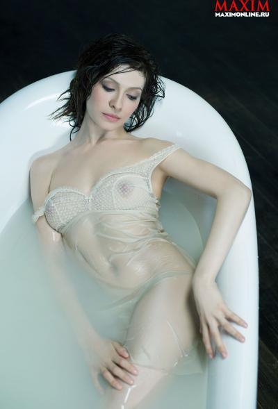 Елена Подкаминская в ванной 4 фото