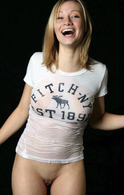 Мокрая девушка с голой пиздой смеётся 39 фото
