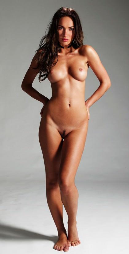 Меган Фокс голая во весь рост