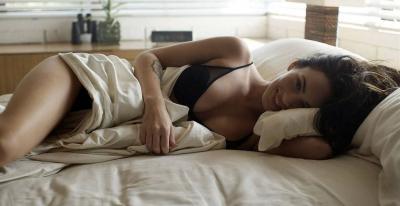 Меган Фокс в постели 23 фото