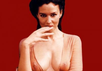 Моника Беллуччи грудь через одежду 4 фото