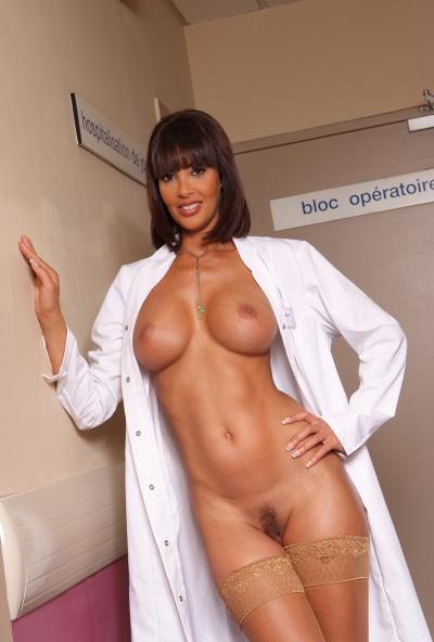 Голая медсестра в США 23 фото