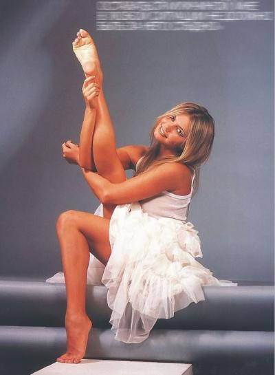 Алина Кабаева подняла ногу 7 фото