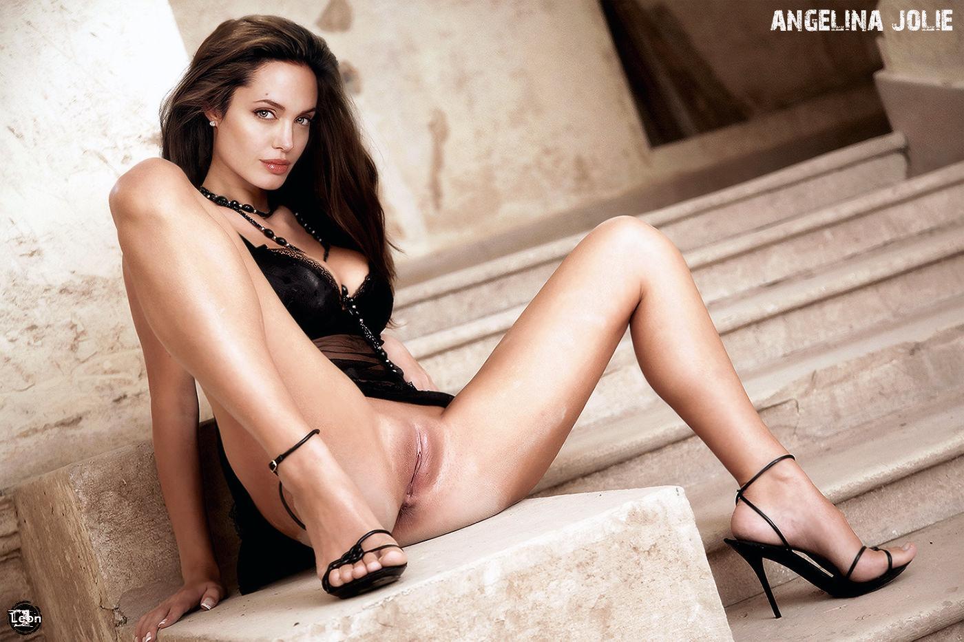 Free naked angelina jolie pics