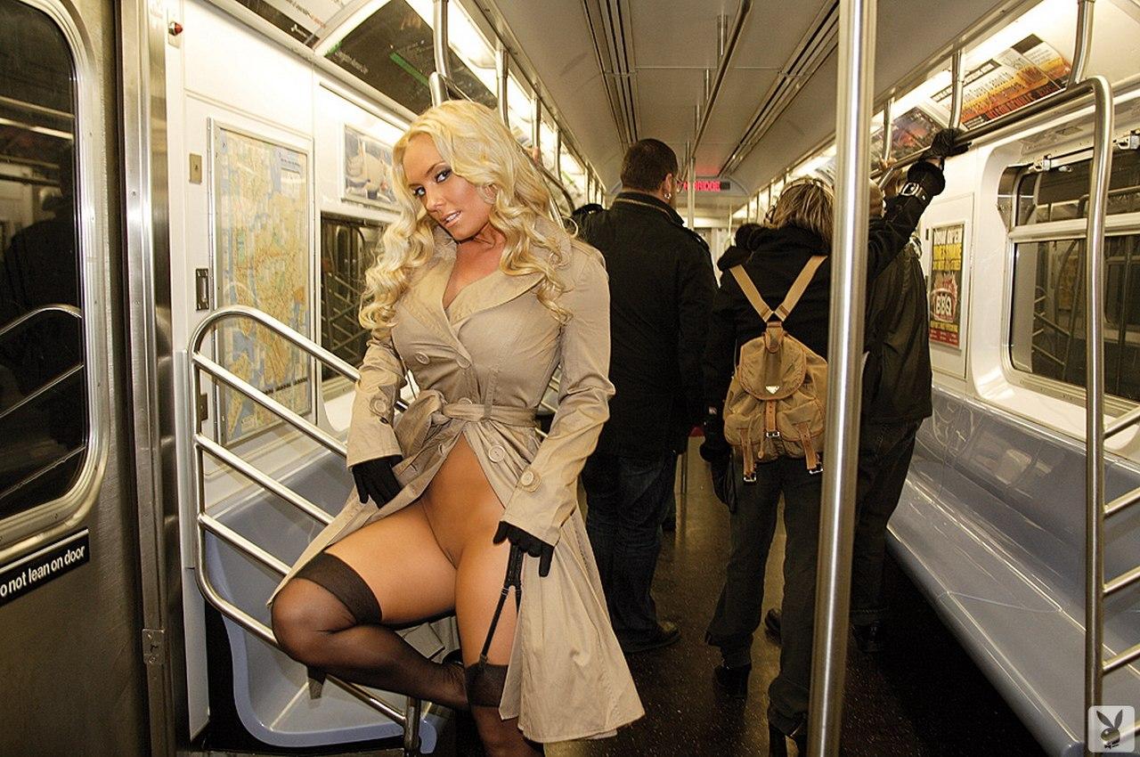 Русский порно в метро, Порно в поезде, секс в метро на 24 видео 29 фотография