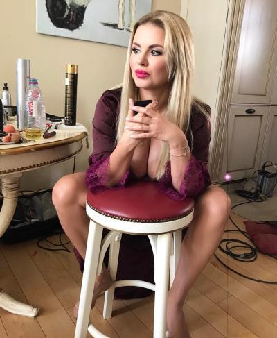 Сексуальные губы Анны Семенович 13 фото