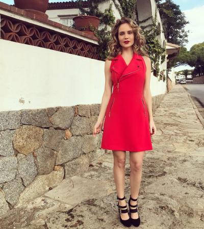 Глюкоза в красном платье — фото из ВКонтакте 33 фото
