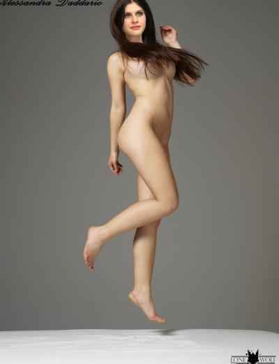 Александра Даддарио без одежды 62 фото