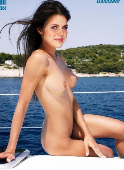 Александра Даддарио в море 59 фото