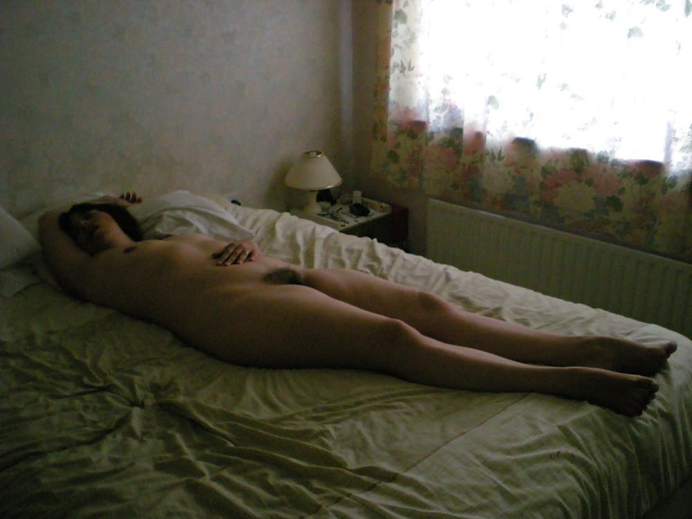 Спящая голая скрытая камера
