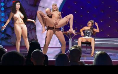 Порно на сцене с участницей Камеди вумен 7 фото