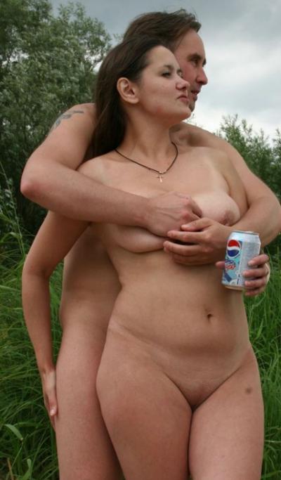 Голый муж обнял голую жену 11 фото