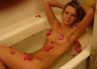 Домашнее фото голой девушки в ванной 24 фото