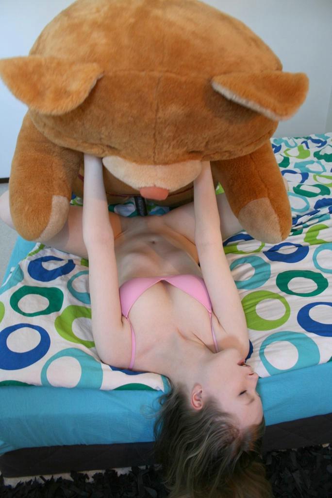 Смотреть порно с мягкими игрушками 13