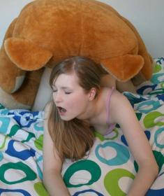 Секс с плюшевым медведем (12 фото)