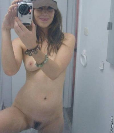 Селфи голой девки в кепке 11 фото